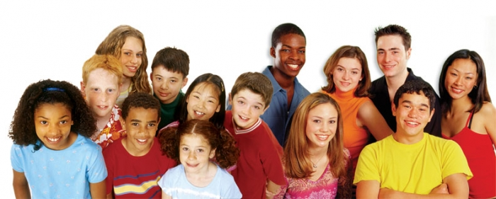 living multicultural society Living in a multicultural society among people of different faiths, ethnicity, and nationalities has a number of obvious advantages as well as disadvantages.
